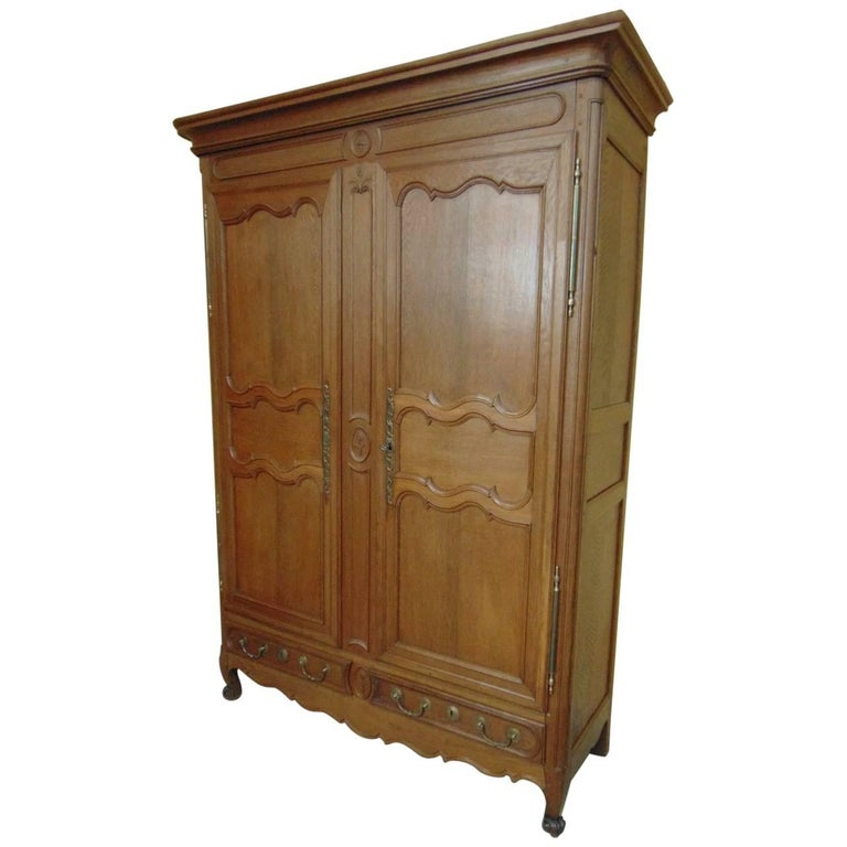 armoire oak louis xv style circa 1840 for sale at 1stdibs. Black Bedroom Furniture Sets. Home Design Ideas