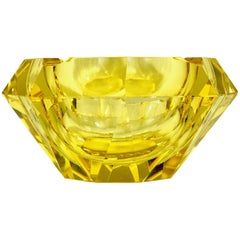 1930s Lemon Faceted Diamond Ashtray in Excellent Condition, Murano, Italy