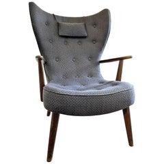 Pragh Chair by Madsen & Schubel