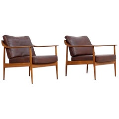 Pair of 1960s Teak & Leather Easy Lounge Chairs Knoll Antimott Mid-Century