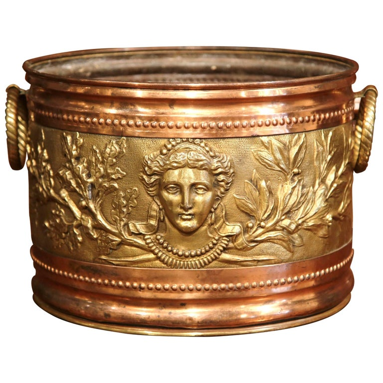 19th Century French Copper and Brass Circular Basket with Repousse Decorations
