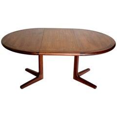 Mid-Century Modern Danish Rosewood Dinning Table Three Extensions