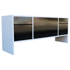 Milo Baughman White Lacquered Credenza with Contrast Doors