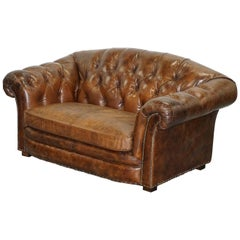 Stunning Aged Brown Heritage Leather Two-Seat Chesterfield Sofa Nice Find
