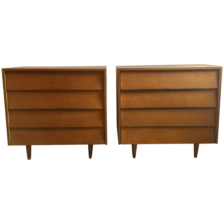 Pair of Florence Knoll Four-Drawer Maple Chests For Sale