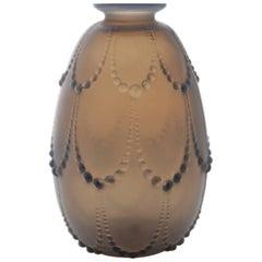 Very Rare 'Perles' Vase by René Lalique in Deepblue Opalescent, circa 1925