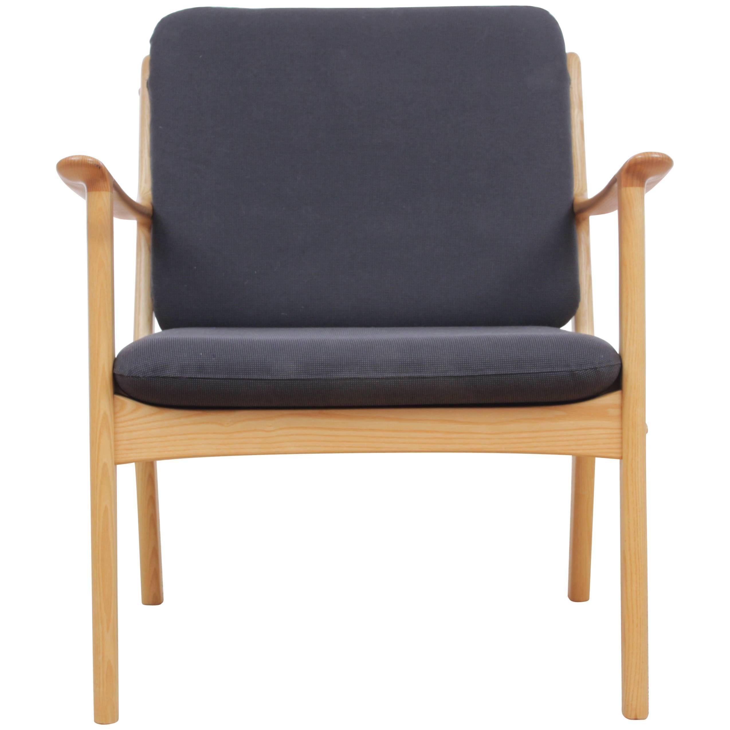 Mid Century Modern Danish Lounge Chair In Mapple Model PJ 112 By Ole  Wanscher 1