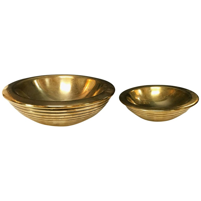 Set of 1960s Nesting Bowls by Tommaso Barbi in Ottone For Sale