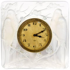 René Lalique Clock 'Inseperables Pendulette', circa 1926