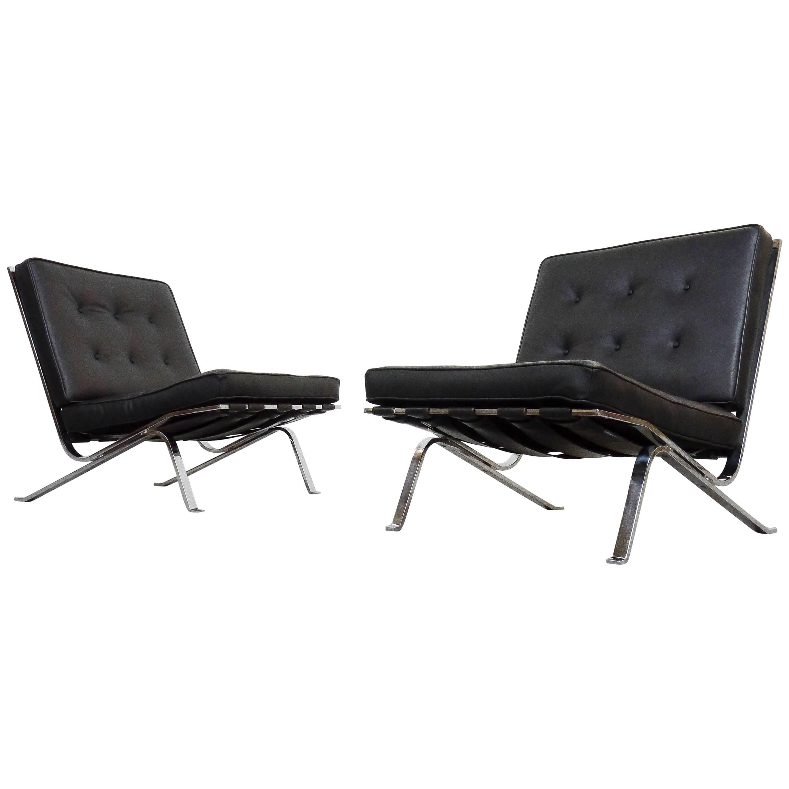 Pair Of RH 301 Flat Bar Lounge Chairs In Black Leather Robert Haussmann. De