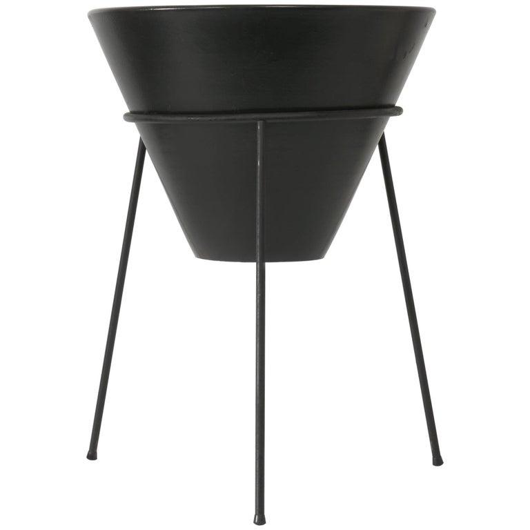 La Gardo Tackett Planter and Stand, Architectural Pottery Model S-04, 1960s