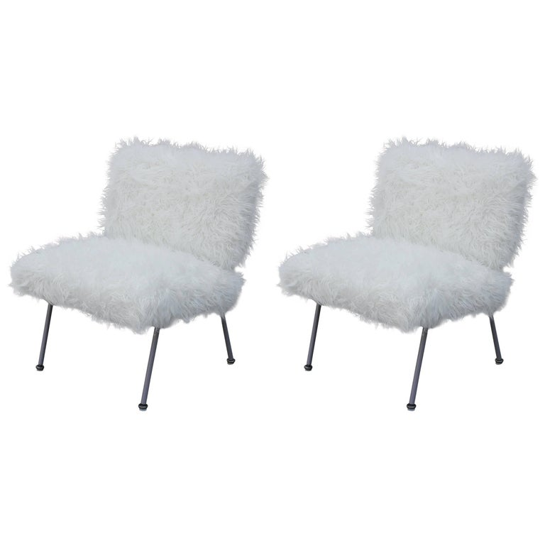 Pair of Modern Knoll Lounge Chair with a Grey Lacquered Frame in White Faux Fur