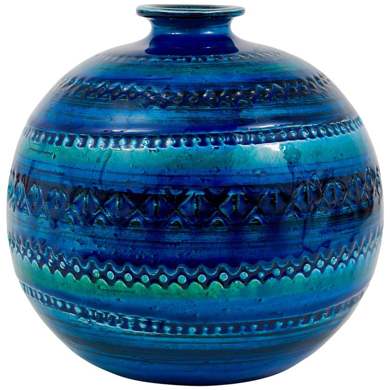 Mid-Century Bitossi Rimini Blue Pottery Ball Vase by Aldo Londi, Italy, 1960s For Sale
