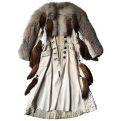Cape in White Patinated Leather ,Fox, Wolf Sioux Style