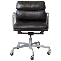 Eames Aluminum Group Black Leather Soft Pad Chair on Casters for Herman Miller