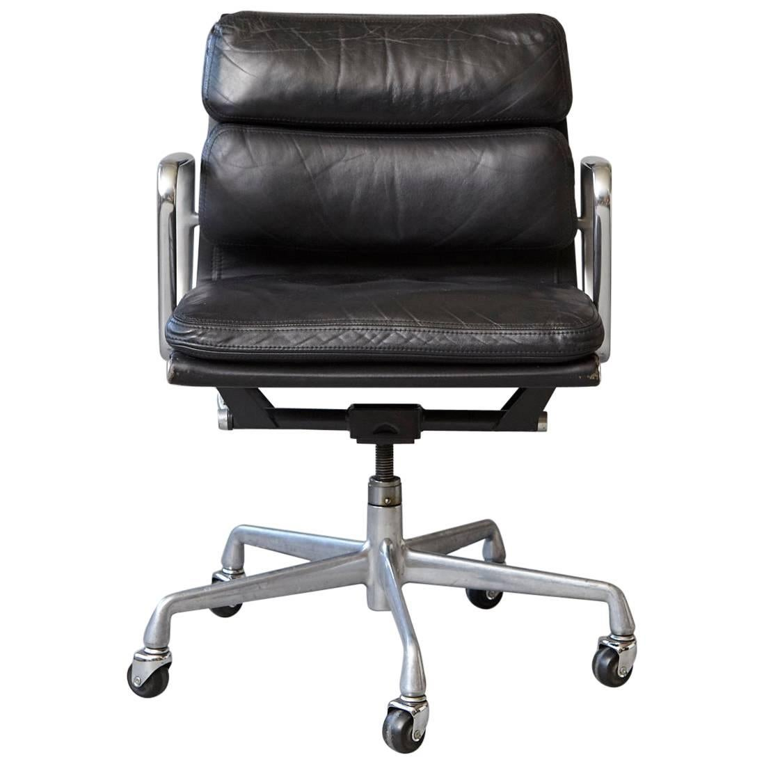 Eames Aluminum Group Black Leather Soft Pad Chair On Casters For Herman  Miller 1