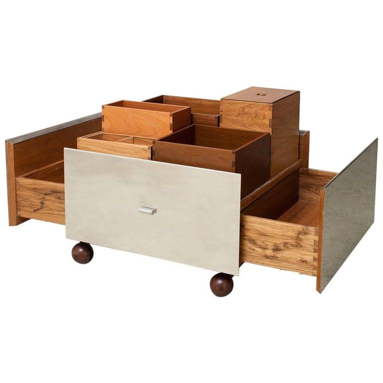 Toto Bar Trolley by Isay Weinfeld 1