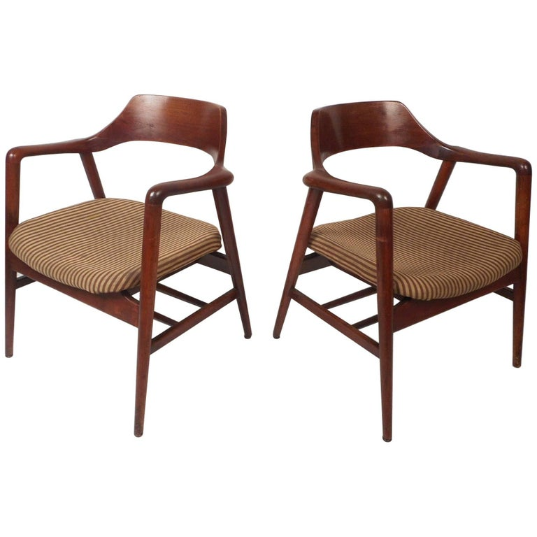 Sensational Mid Century Modern Sculpted Side Chairs By Gunlocke Gmtry Best Dining Table And Chair Ideas Images Gmtryco