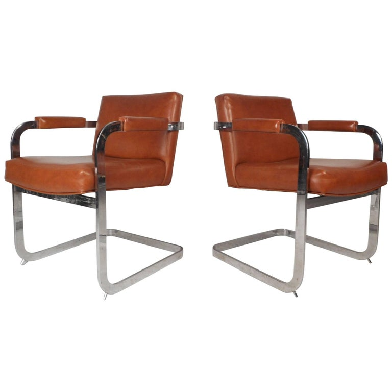 Pair of Mid-Century Modern Cantilever Lounge Chairs by Milo Baughman