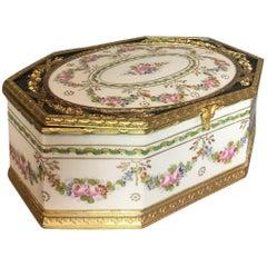 White Ground Sèvres-Style Trinket Box
