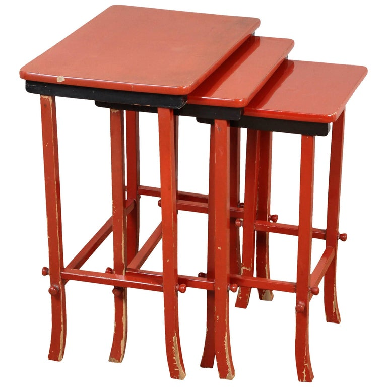 Chinoiserie Lacquered Nesting Tables For Sale