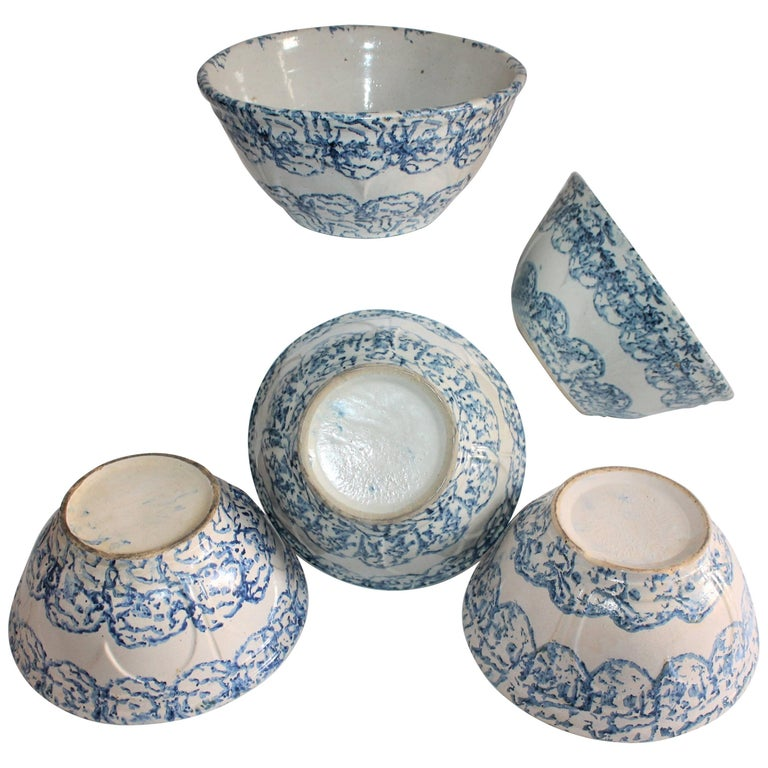 19th Century, Sponge Ware Pottery Collection of Mixing Bowls