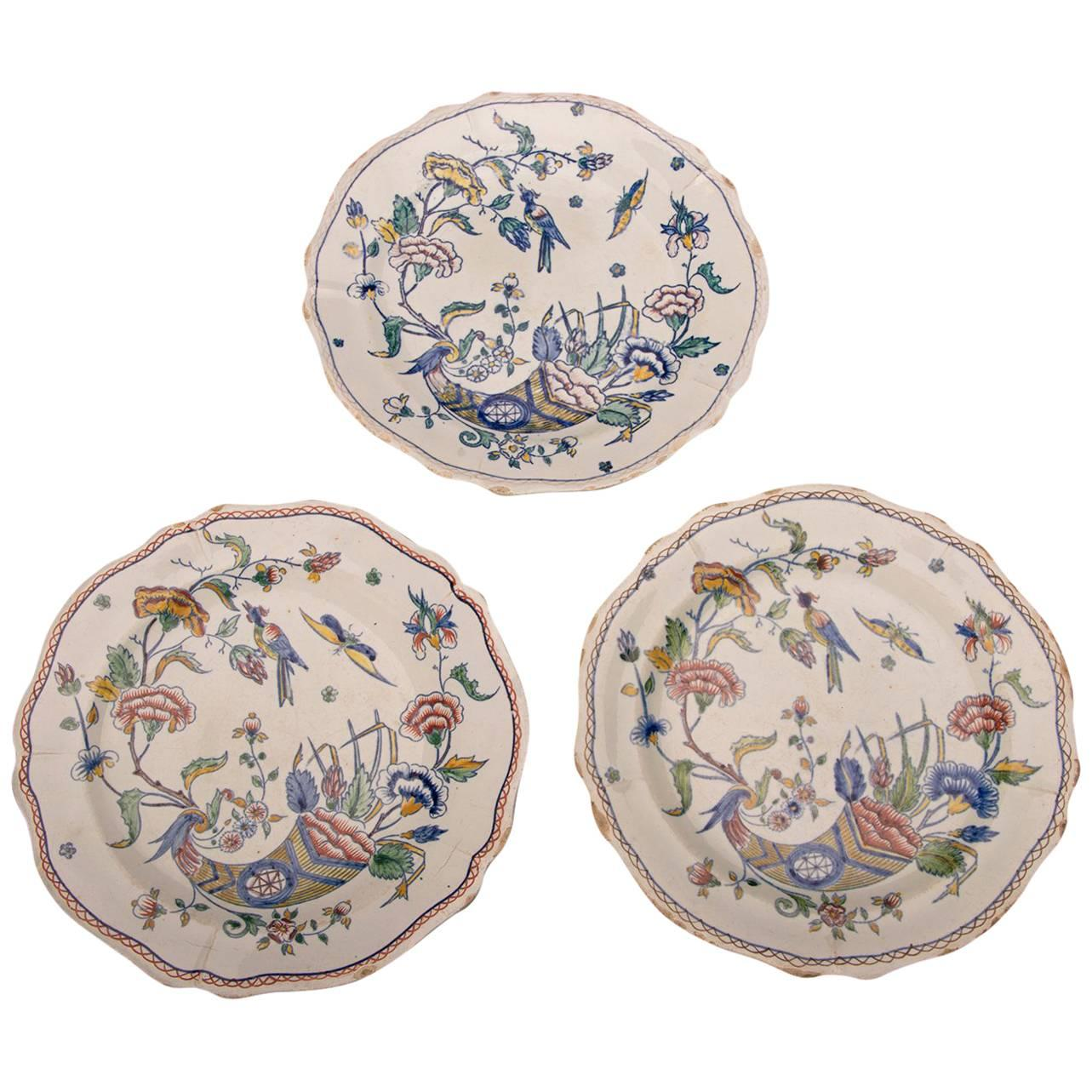 Three Antique French Gien Hand-Painted with Scallop Edge Plates circa 1860 For Sale  sc 1 st  1stDibs & Three Antique French Gien Hand-Painted with Scallop Edge Plates ...
