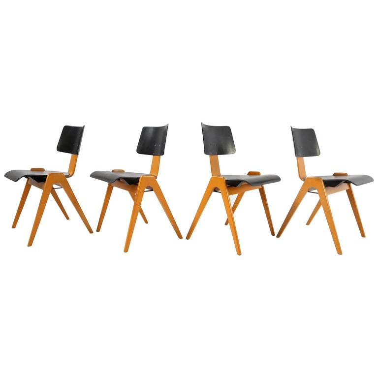 Robin Day Set of 4 Hille 'Hillestak' Stacking Midcentury Chairs, 1950s 1