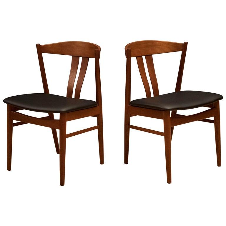 Vintage Pair of Teak Danish Dining Chairs at 1stdibs
