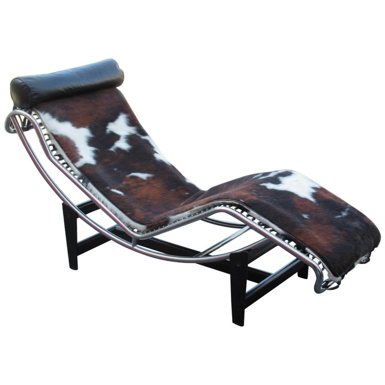 Le corbusier lc4 chaise longue at 1stdibs for Chaise le corbusier