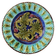 French Majolica Acanthus Leaves Plate, circa 1890
