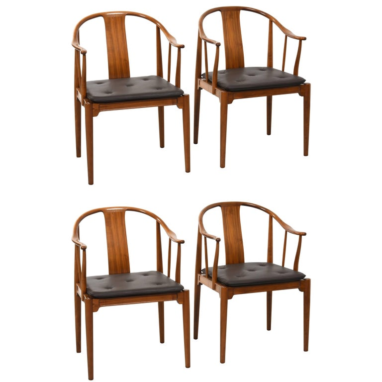 Hans J. Wegner China Chairs for Fritz Hansen, Set of Four in Mahogany, 1944