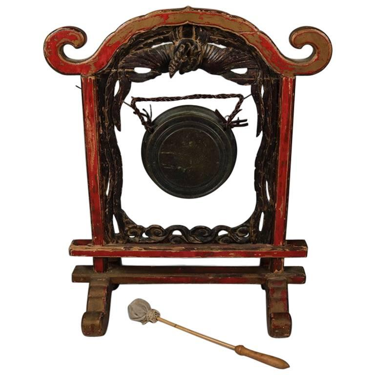 antique carved chinese ceremonial pagoda form phoenix gong with striker for sale at 1stdibs. Black Bedroom Furniture Sets. Home Design Ideas