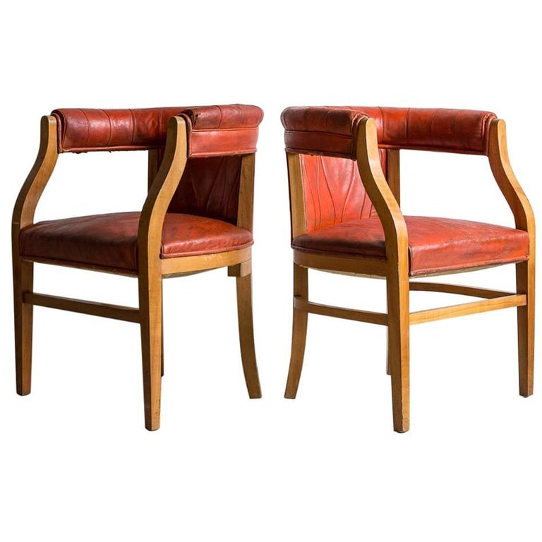 Captain Pull Up Chairs Upholstered in Red Distressed Leather 1