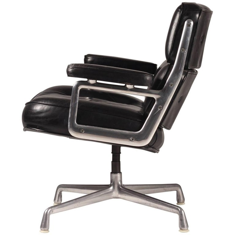 Charles & Ray Eames Time Life Lobby Chair For Sale