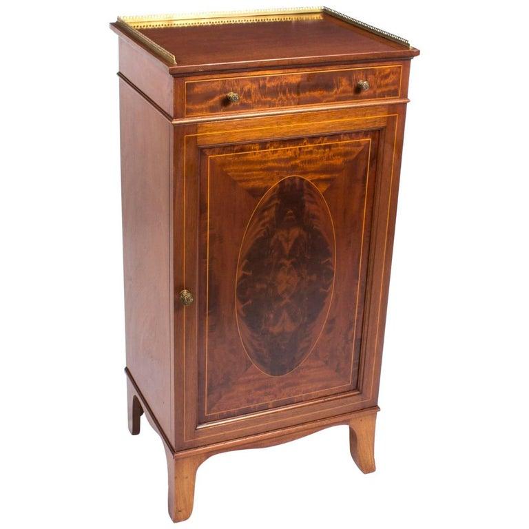 Antique Edwardian Mahogany and Inlaid Music Cabinet, circa 1900 For Sale - Antique Edwardian Mahogany And Inlaid Music Cabinet, Circa 1900 At