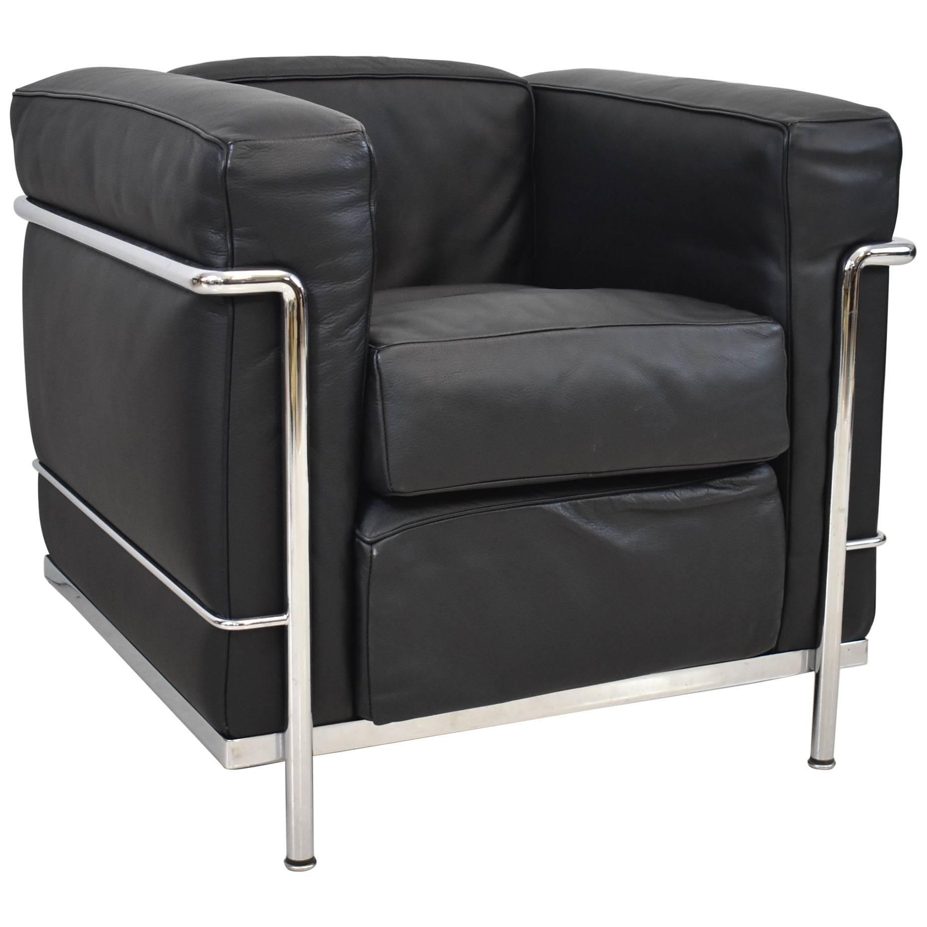 LC2 Cassina LeCorbusier Black Leather Chrome Armchair For Sale