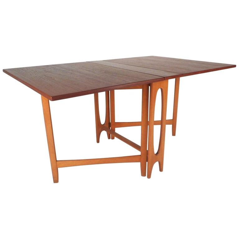 Beautiful Mid-Century Modern Drop-Leaf Gate Leg Dining Table