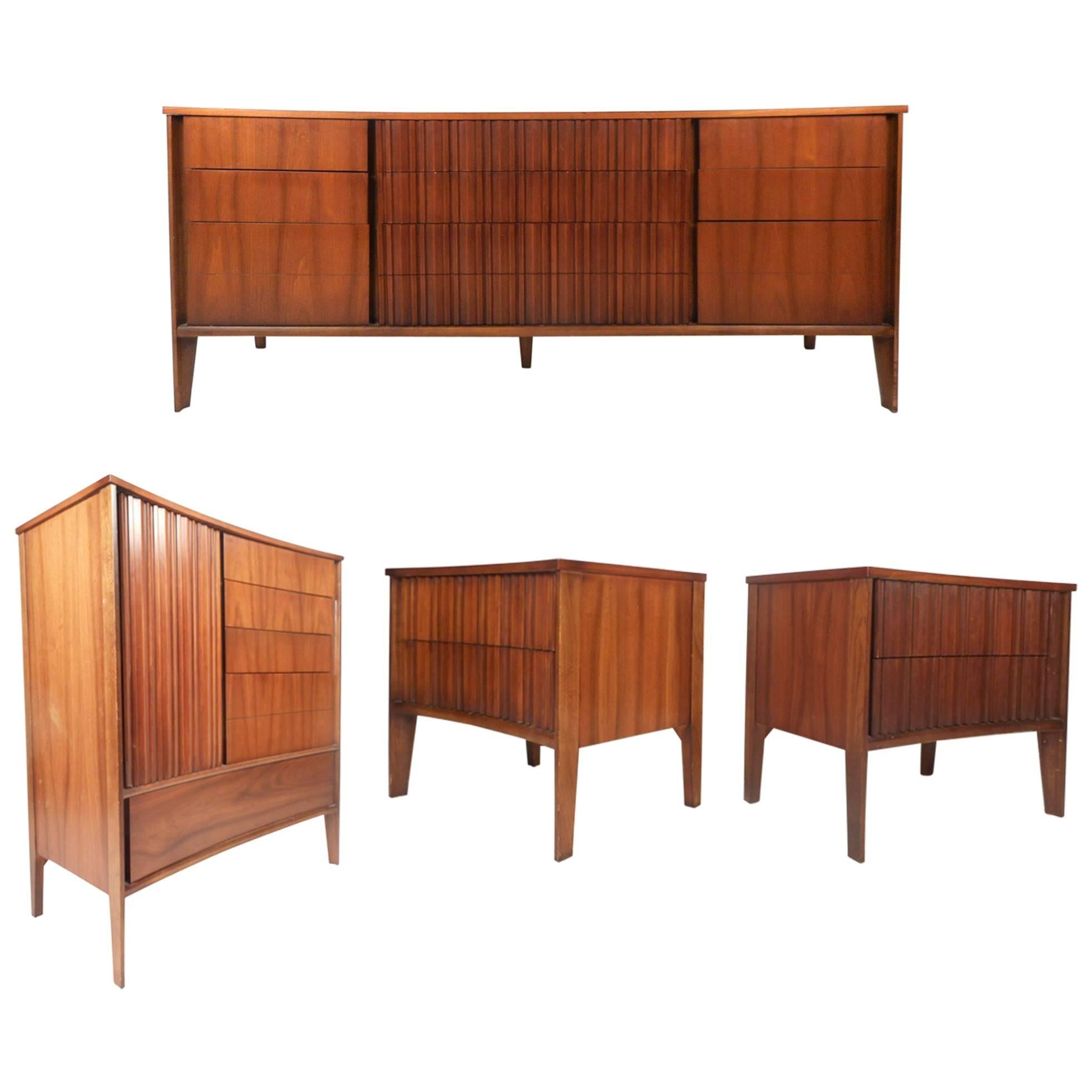 Mid Century Modern Curved Front Bedroom Set By Strata For Unagusta
