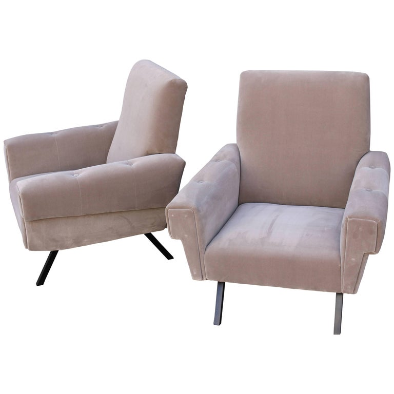 Italian Pair of Lounge Chairs For Sale