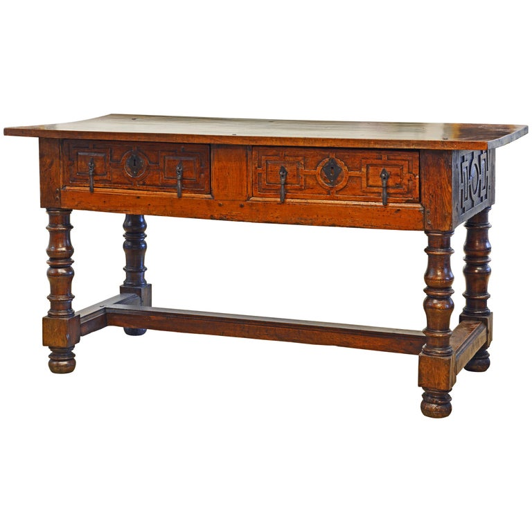 Large 17th-18th Century Spanish Renaissance Walnut Refectory Table or Hall Table For Sale