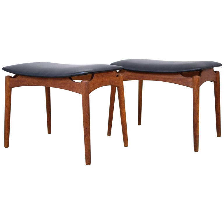 Set Of Two Stools By 216 Lholm At 1stdibs
