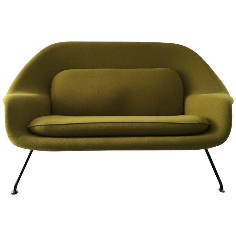 Early Eero Saarinen Womb Sofa For Knoll Circa 1950 At 1stdibs