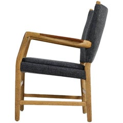 1950s Hans J. Wegner 'Town Hall' Chair Oak and Teak Mid-Century Modern Design