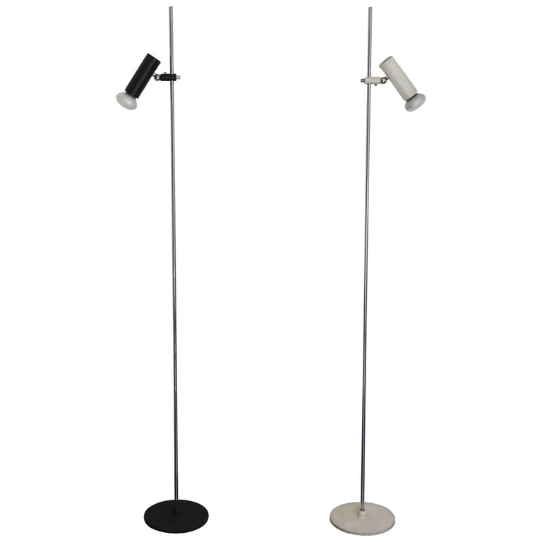 Gino Sarfatti Pair of Floor Lamps 1055 Arteluce Italy 1955
