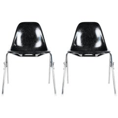 Two Glassfiber Side Chairs by Charles & Ray Eames for Vitra