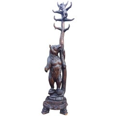 Continental Black Forest Carved Wood Bears Hallstand Coat Stand, circa 1875
