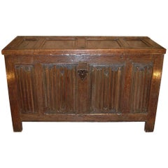 English Elizabethan Period Oak Linen Fold Coffer, circa 1580