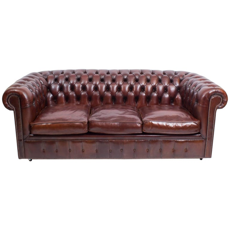 Bespoke English Leather Chesterfield Sofa Bed BBO For Sale at 1stdibs