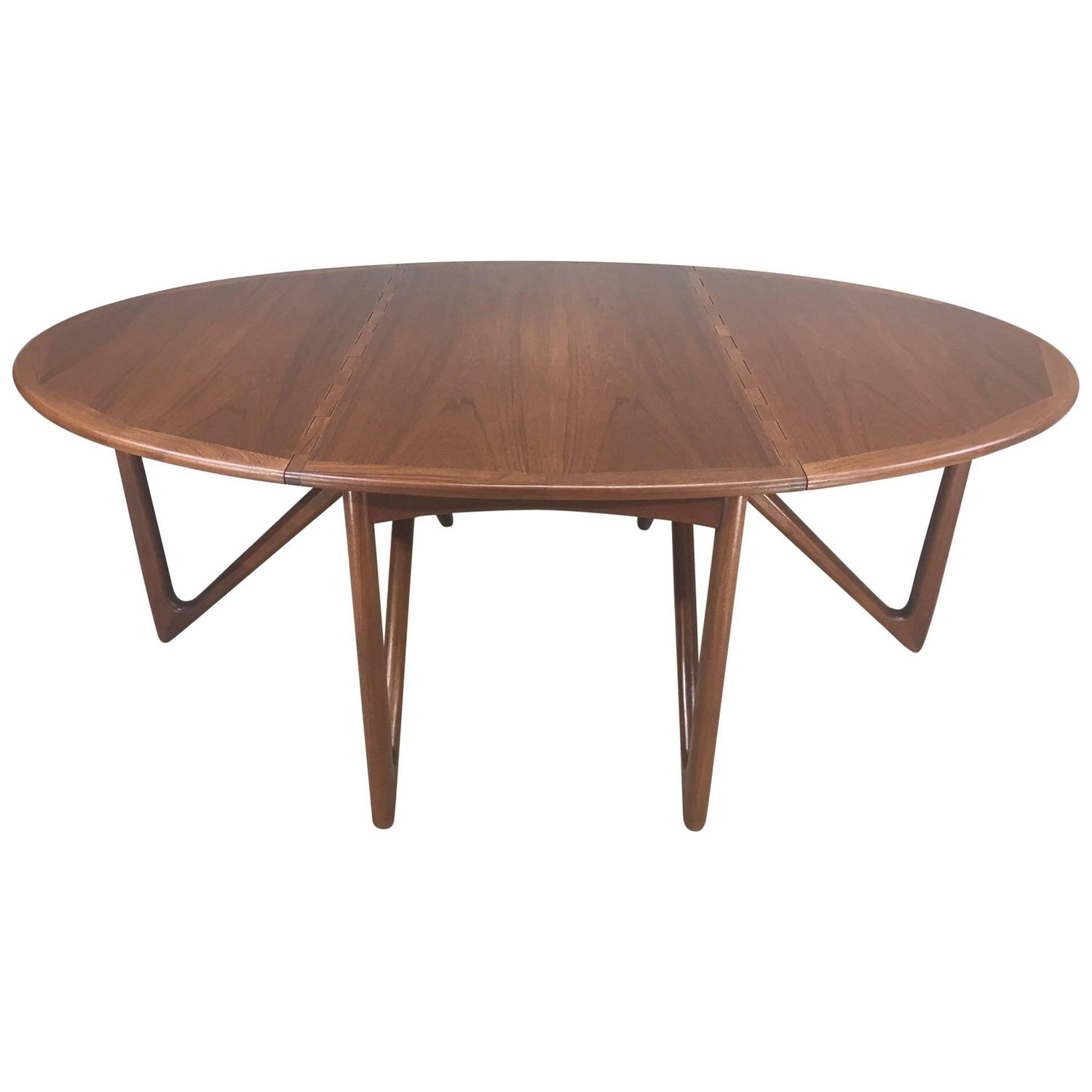 Scandinavian Modern Tables 1 954 For Sale at 1stdibs
